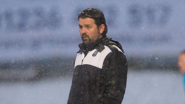 Dundee manager Paul Hartley praised Gary Harkins