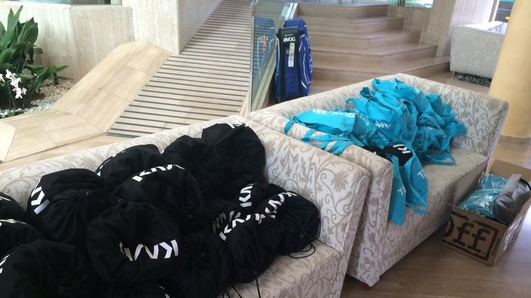 Team Sky's kit takes over the Vanity Golf Hotel