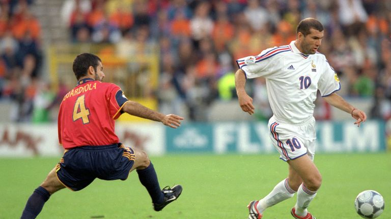 Zinedine Zidane has played down managerial comparisons with Pep Guardiola