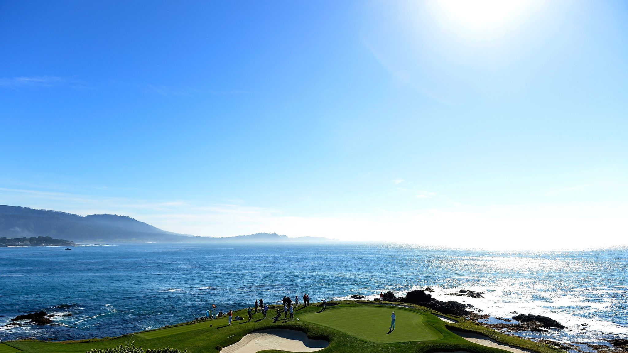How to play the seventh hole at the AT&T Pebble Beach Pro Am