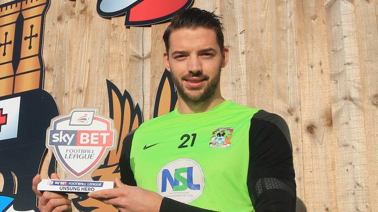Aaron Martin with his Sky Bet Football League Unsung Hero award