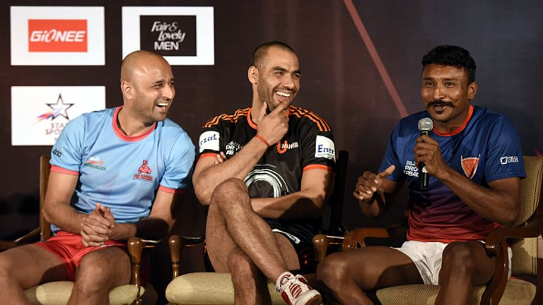 U Mumbai Captain Anup Kumar (C), Jaipur Pink Panthers Captain Navneet Gautam (L) and Dabang Delhi's Captain Kashiling Adake (R) meet the media