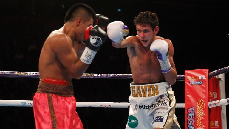 Gavin McDonnell beat Jorge Sanchez (left) on points (Pic by Lawrence Lustig)