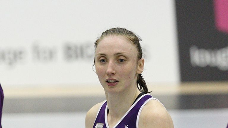 Jade Clarke is to leave Loughborough Lightning to join Adelaide Thunderbirds