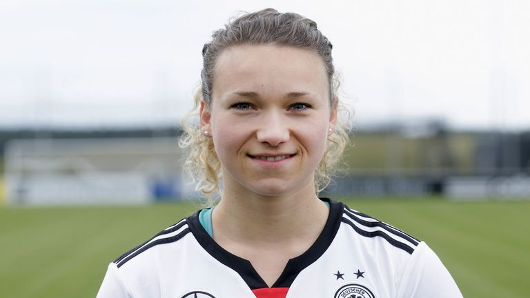 Josephine Henning of Arsenal Ladies