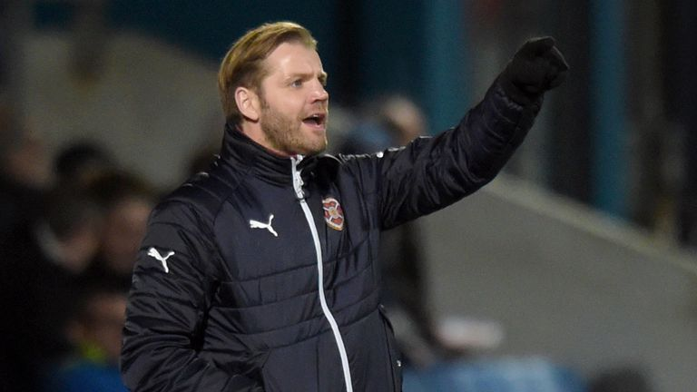 Robbie Neilson has signed a contract extension with Hearts