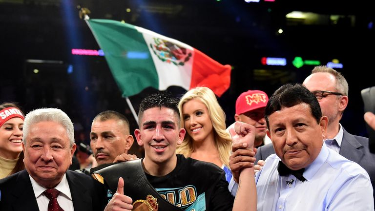 Leo Santa Cruz wants to fight either Carl Frampton or Gary Russell next