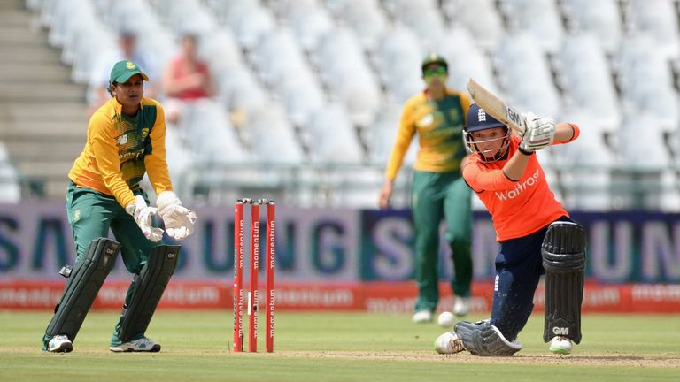 Sarah Taylor finished the series with 200 runs at an average of 100