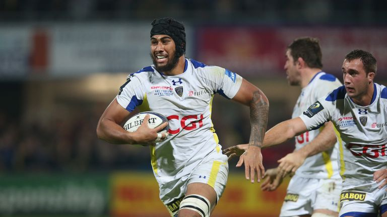 Sebastien Vahaamahina on the charge for Clermont