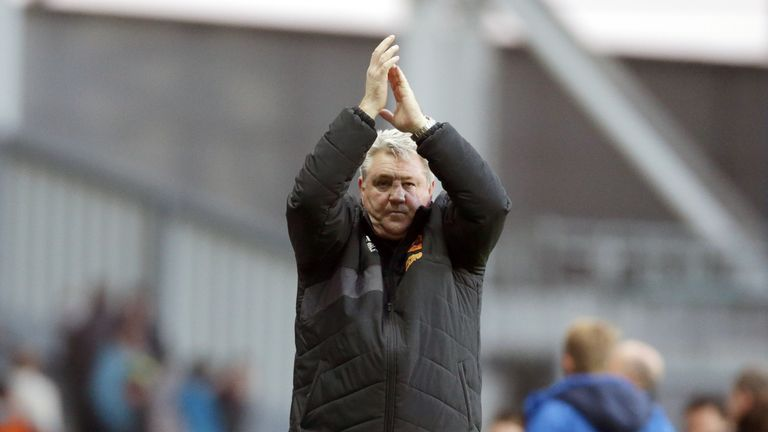 Hull City's manager Steve Bruce celebrates his side's victory at the end of the Sky Bet Championship match at Ewood Park, Blackburn.
