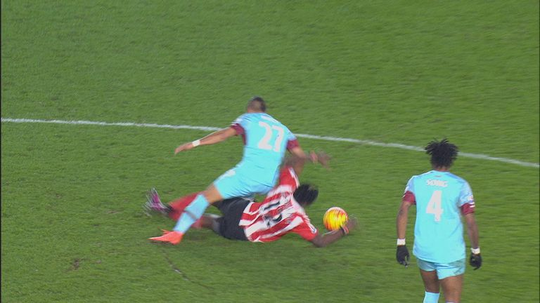 Victor Wanyama sees red for this foul on Dimitri Payet