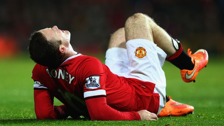 Wayne Rooney could miss up to six weeks for Manchester United with a knee injury