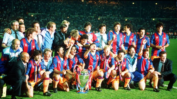 May 1992:  The Barcelona team celebrate after beating Sampdoria 1-0 to win the European Cup Final between Barcelona v Sampdoria. Barcelona won 1-0. Mandato
