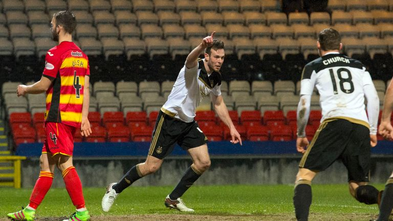 Aberdeen's Andrew Considine celebrates after making it 1-1 at Partick Thistle