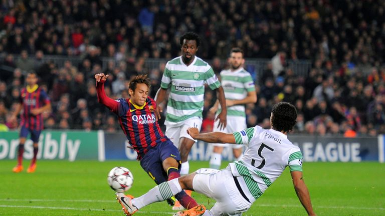BARCELONA, SPAIN - DECEMBER 11:  Neymar (2.R) of FC Barcelona beats Virgil van Dijk of Celtic FC to score his team's 4th goal during the UEFA Champions Lea