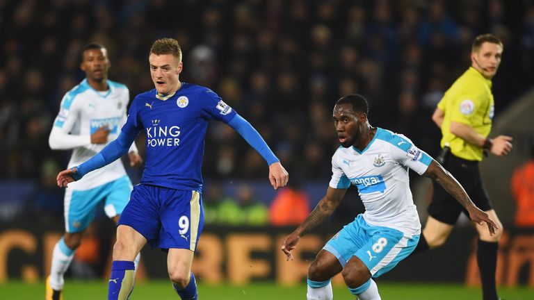 Jamie Vardy looks to escape the attention of Vurnon Anita at the King Power Stadium