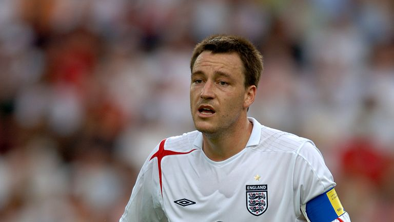 Roy Hodgson says he has no intention of attempting to lure John Terry back into an  England shirt