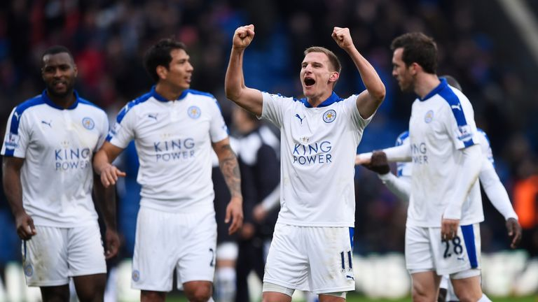 Marc Albrighton and Leicester City players celebrate