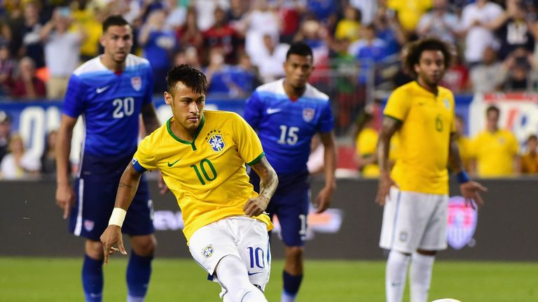 Neymar scores a penalty for Brazil against the United States