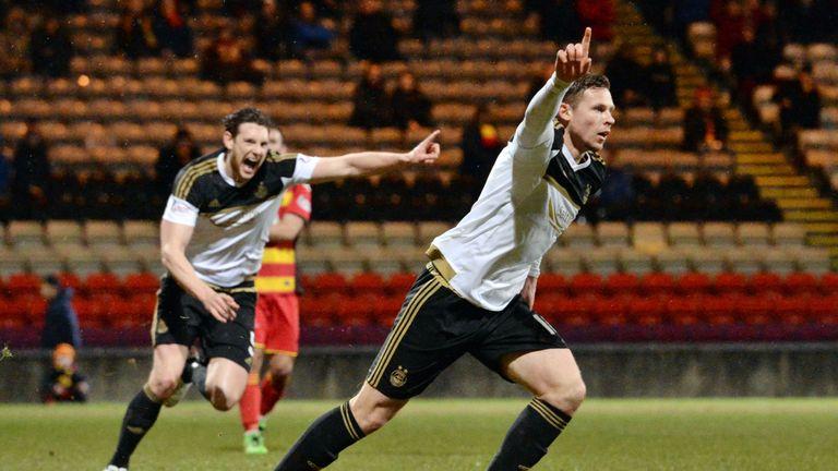 Aberdeen's Simon Church celebrates after making it 2-1 against Partick Thistle