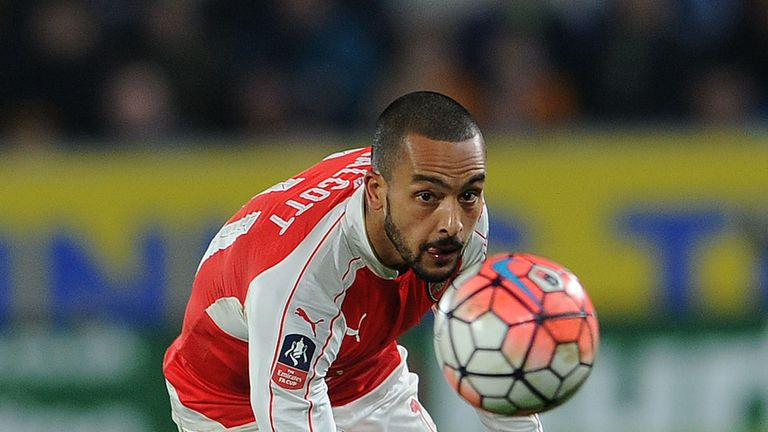 HULL, ENGLAND - MARCH 08:  Theo Walcott of Arsenal during the match between Hull City and Arsenal in the FA