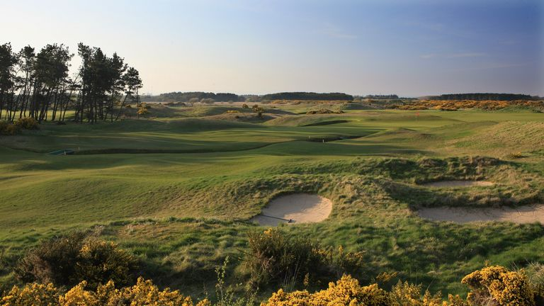 A view of the green on the par 5, 18th hole at Dundonald Links