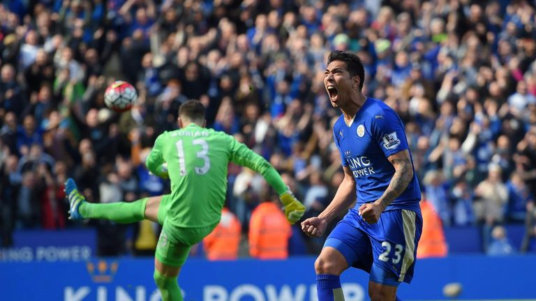 Leonardo Ulloa's late penalty saw Leicester grab a draw against West Ham