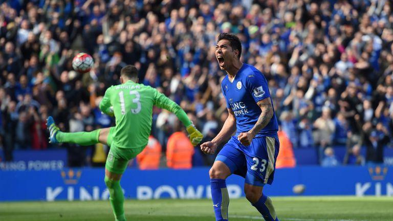 Leonardo Ulloa of Leicester City celebrates after his late equaliser