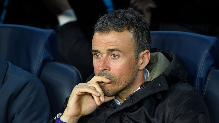 Barcelona's coach Luis Enrique looks at his players from the bench during the UEFA Champions League quarter finals first leg footb