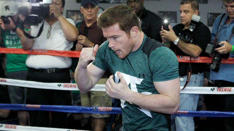 Saul Alvarez shadow boxing  (Pic: Tom Hogan- Hoganphotos/Golden Boy Promotions)