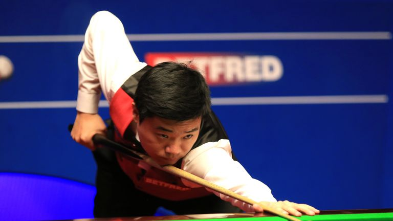 Ding rattled in seven centuries during his victory over McManus