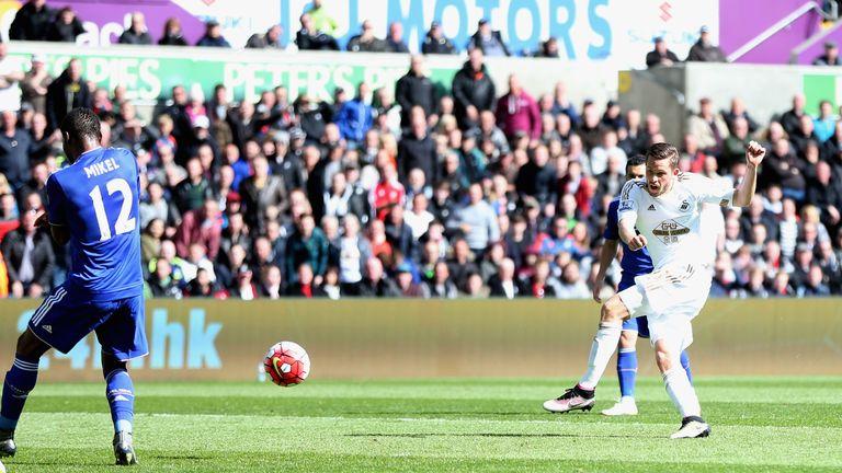 Gylfi Sigurdsson fires Swansea 1-0 up against Chelsea