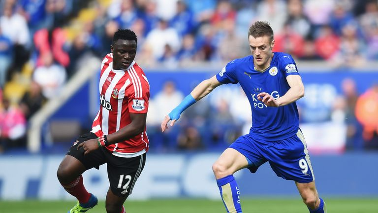 LEICESTER, ENGLAND - APRIL 03:  Jamie Vardy of Leicester City takes on Victor Wanyama of Southampton during the Barclays Premier League match between Leice