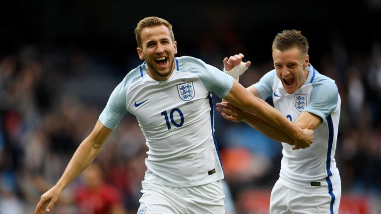 MANCHESTER, ENGLAND - MAY 22:  Harry Kane of England celebrates with Jamie Vardy of England after he scored the opening goal during the International Frien
