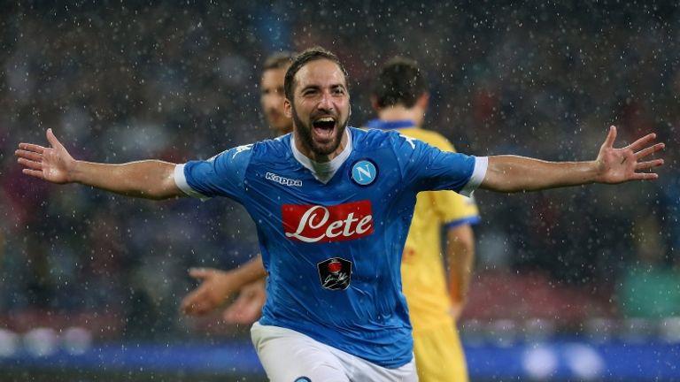 """Il Napoli chiude il campionato al secondo posto. Higuain """"signore del gol"""" in A con 36 reti: superato Nordahl (Foto Getty)"""