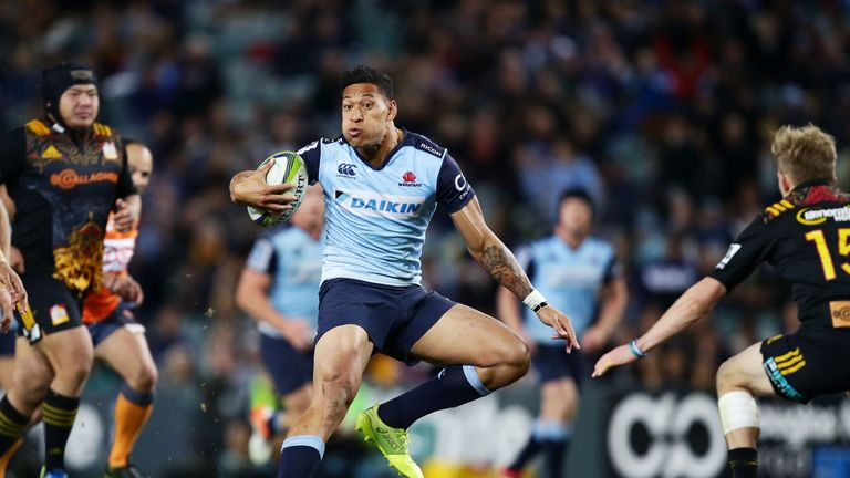Israel Folau helped the Waratah's overcome table-topping Chiefs with an attacking master-class in the centres