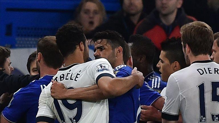 Tottenham Hotspur's Belgian midfielder Mousa Dembele (L) and Chelsea's Brazilian-born Spanish striker Diego Costa (R)