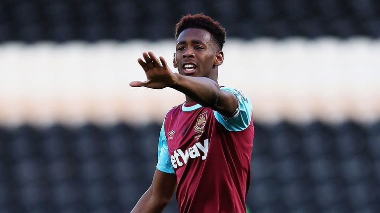 Reece Oxford of West Ham in action during the Second Leg of the Premier League U21 Cup Final at the KC Stadium