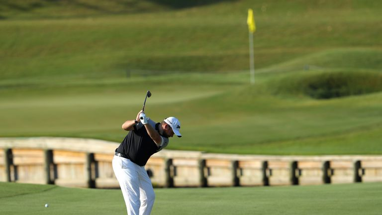 Shane Lowry picked up five shots in four holes after the turn