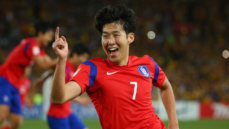 Son Heung Min playing for South Korea Republic in 2015 Asian Cup final