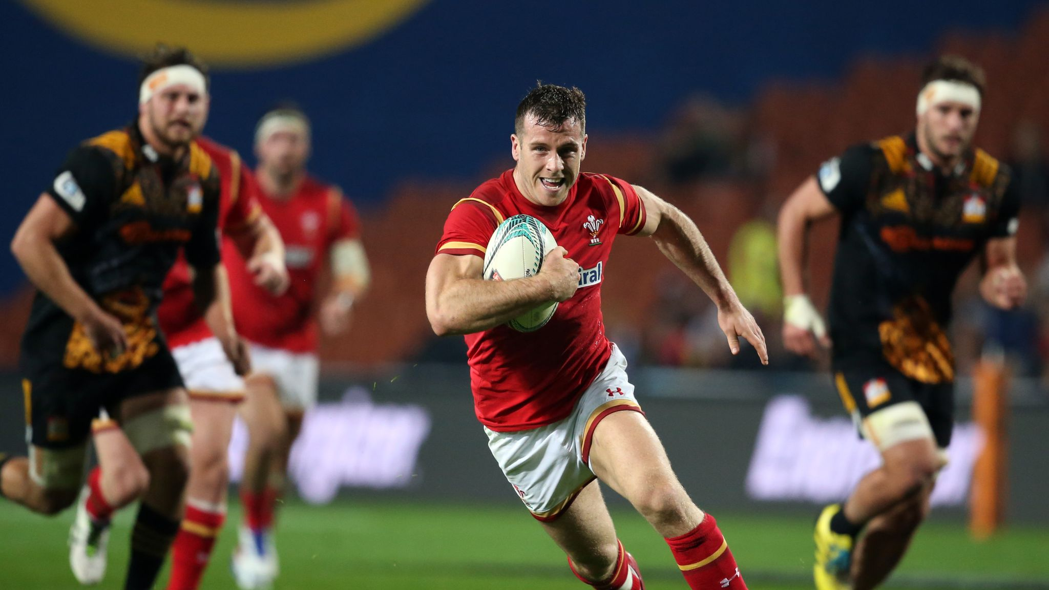 Gareth Davies Wales Fringe Players Let