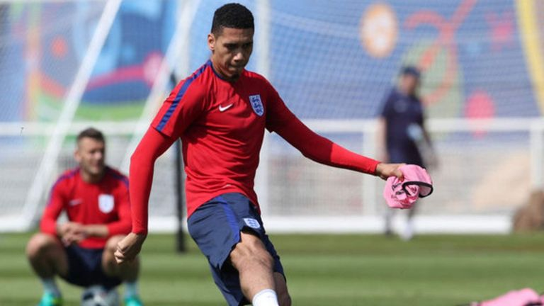 Chris Smalling Joe Hart not worried about England's defence