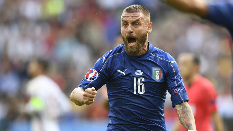 Italy's midfielder Daniele De Rossi reacts during Euro 2016 round of 16 football match between Italy and Spain at the Stade de France stadium in Saint-Deni