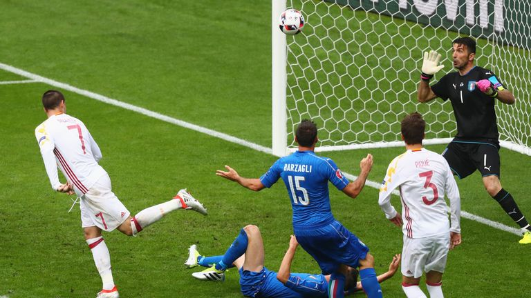 Alvaro Morata heads straight at Buffon