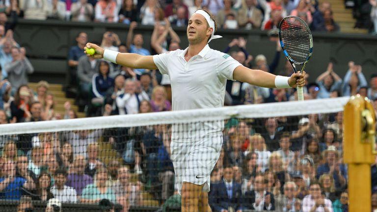 Marcus Willis had the backing of Cenre Court against Roger Federer