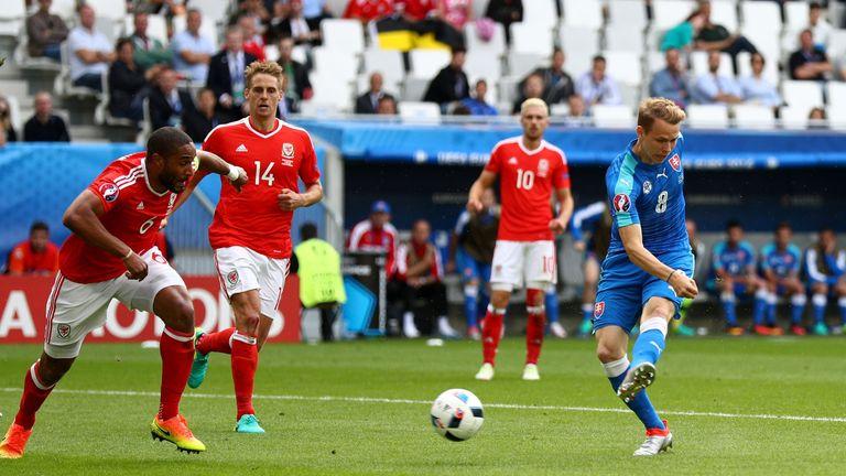 Ondrej Duda equalises for Slovakia