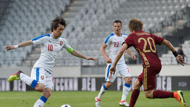 Czech Republic's Tomas Rosicky and Russia's Dmitry Torbinskiy vie for the ball