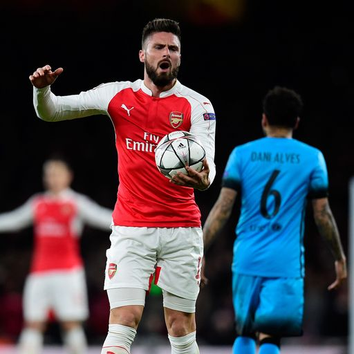 'Arsenal must sign a top striker'