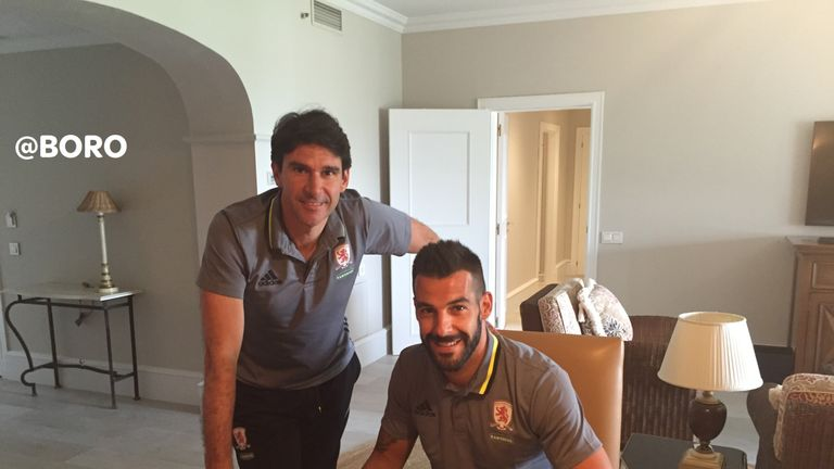 Alvaro Negredo with Aitor Karanka after signing his contract for a season-long loan from Valencia (picture courtesy of Middlesbrough FC) MANDATORY CREDIT