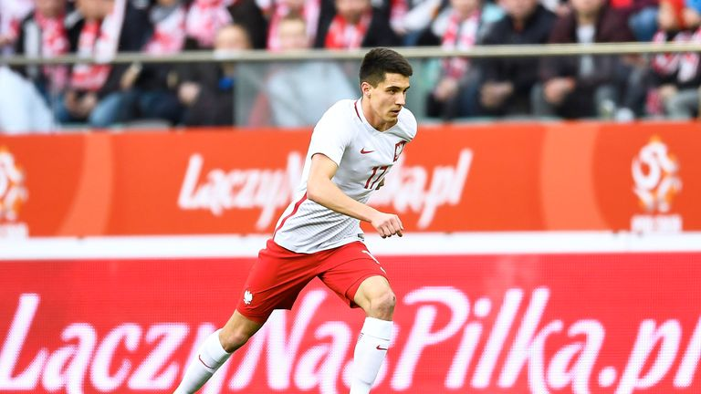 Leicester have made a bid for Poland winger Bartosz Kapustka, according to Sky sources